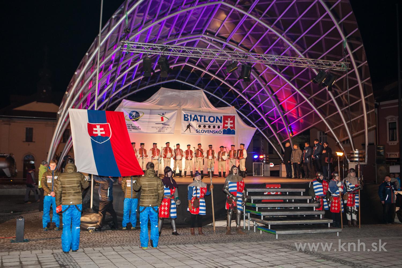 FOTO: Svetové podujatie na breznianskom námestí